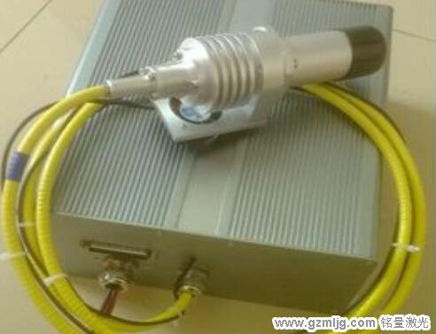 端泵激光器